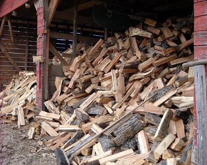 Mulch in Duluth GA - Chipper Tree Service - Firewood_closeup_firewood